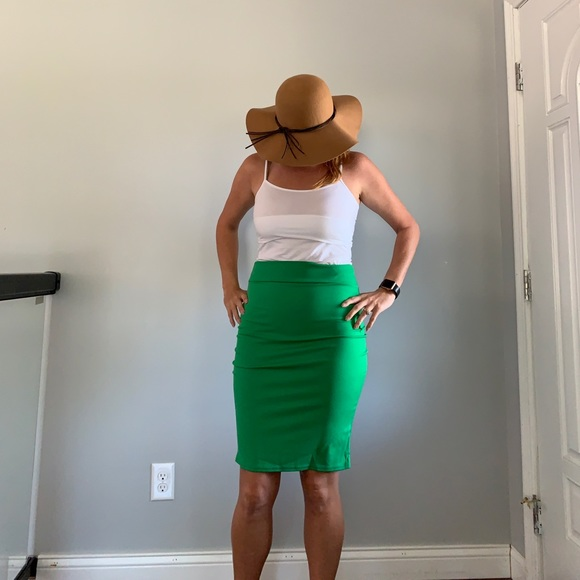 Dresses & Skirts - Green pencil skirt